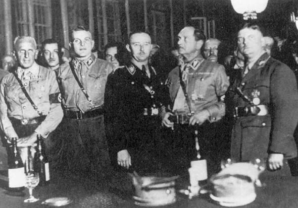 Франц Эпп, Курт Ульрих, Эдмунд Гейне, Генрих Гиммлер и Эрнст Рем. 1933 г.