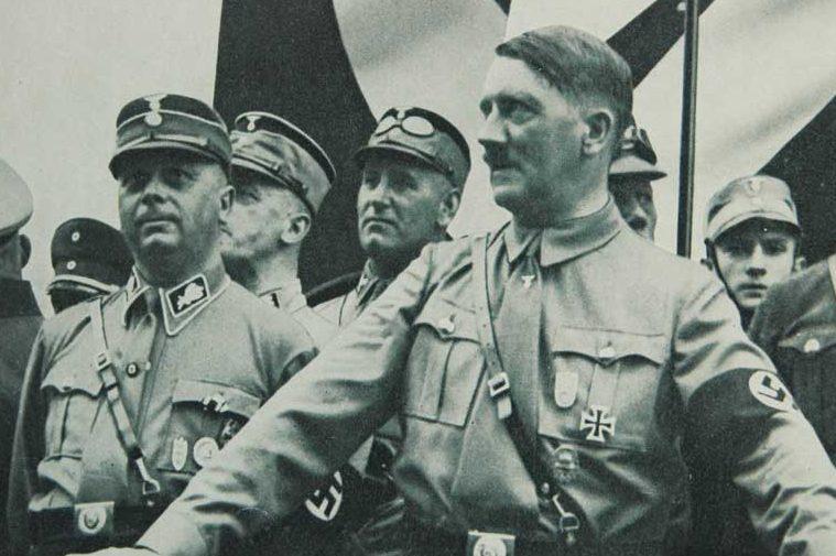 Вильгельм Шепман и Адольф Гитлер. 1933 г.