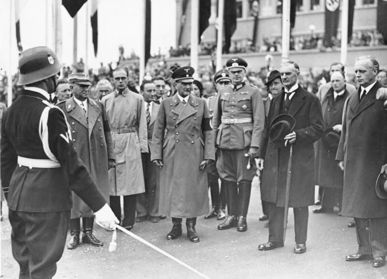 Франц Эпп и Иоахим Риббентроп в Мюнхене. 1938 г.