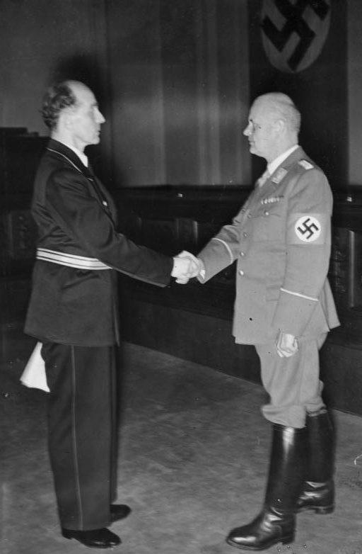 Отто Тирак и Роленд Фрейлер. 1942 г.