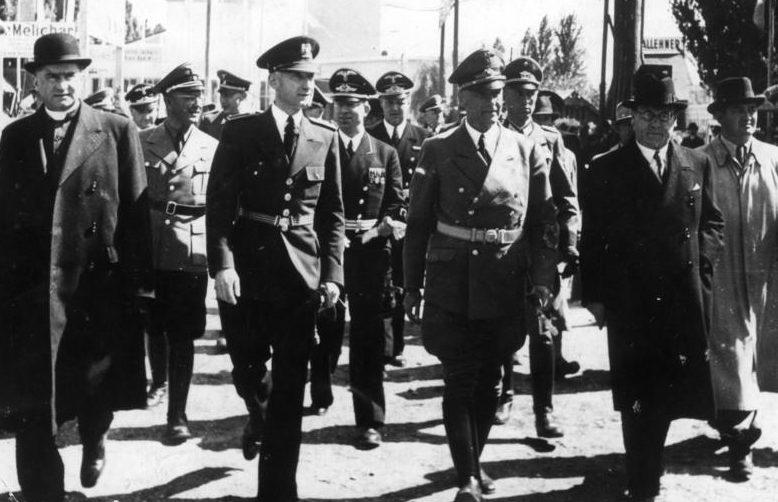 Вильгельм Фрик в Братиславе. 1941 г.