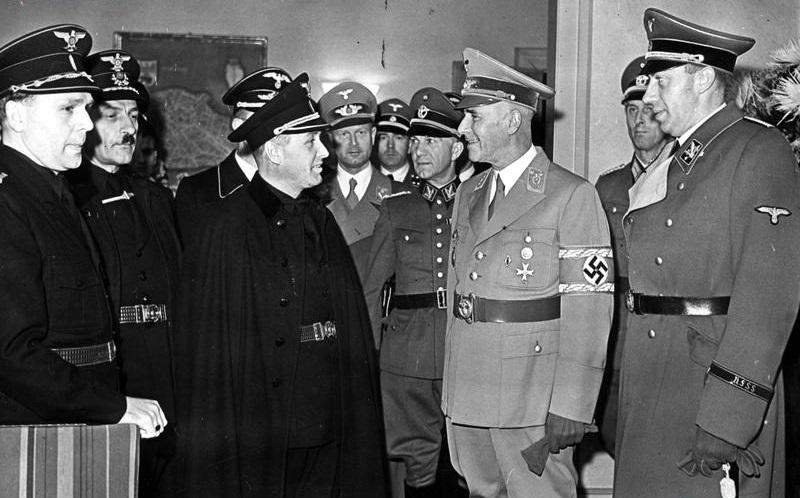 Вильгельм Фрик и Александр Махов. 1942 г.