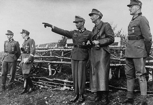 Эдуард Дитль и Фердинанд Шёрнер. Финляндия. 1943 г.