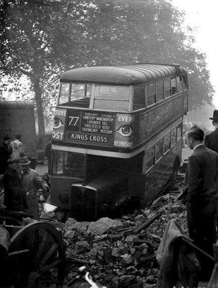 Улицы после бомбардировки. 5 декабря, 1940 г.