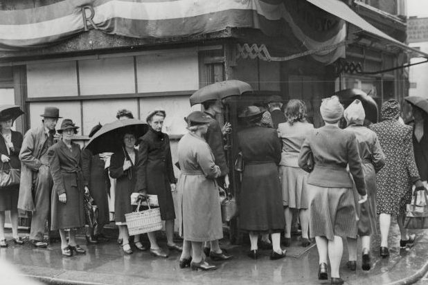 Очереди за продуктами. 1943 г.