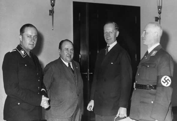 Вальтер Функ. 1943 г.