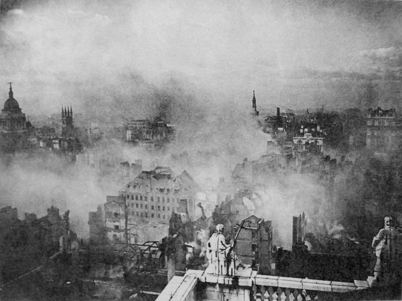 Вид с крыши собора Св. Павла. 29 декабря 1940 г.