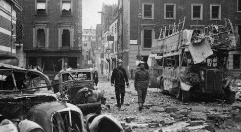 Патруль в городе. 1940 г.