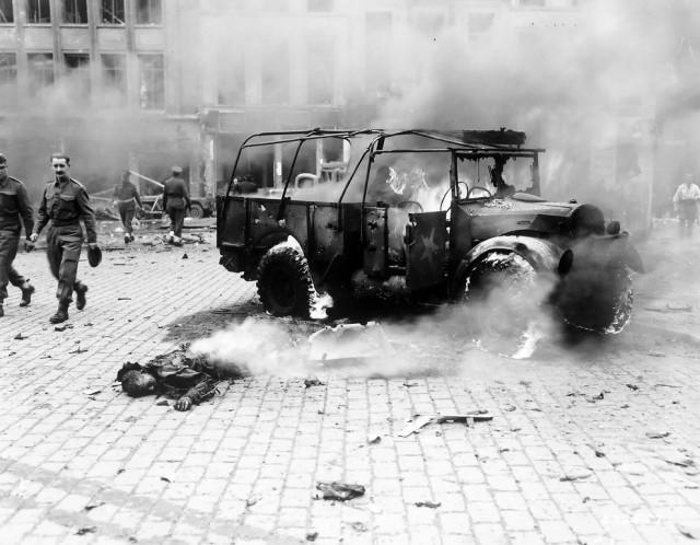 Взрыв ракеты ФАУ-2. 8 сентября 1944 г.