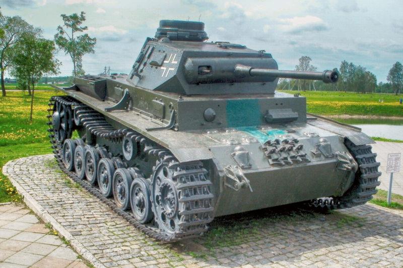 Немецкий танк Т-III на Буйничском поле.