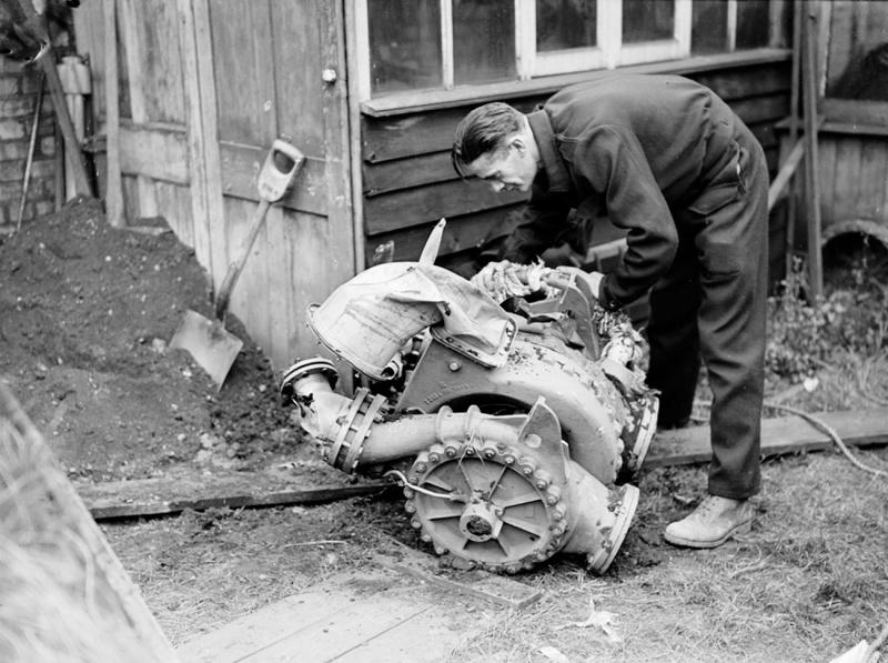 Топливный насос немецкой ракеты Фау-2. 17 сентября 1944 г.