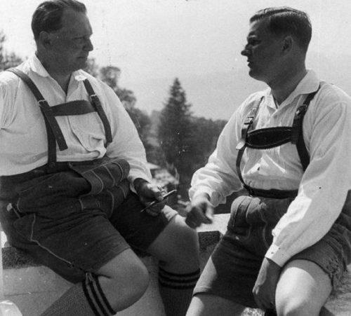 Бальдур Ширах и Герман Геринг в форме Ледерхозе. 1935 г.