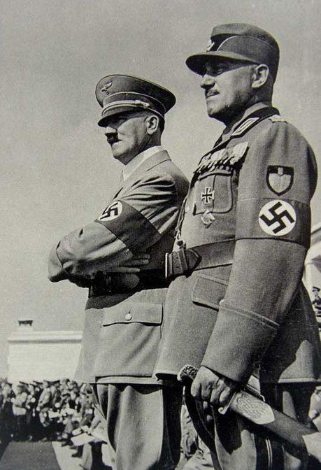 Константин Хирль и Адольф Гитлер. 1935 г.