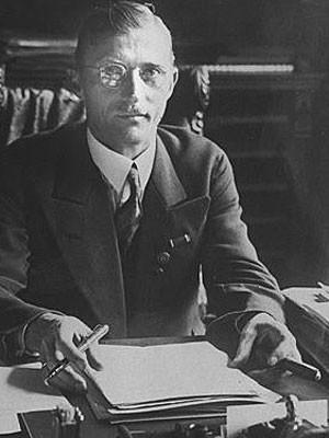 Карл Филер в рабочем кабинете. 1936 г.