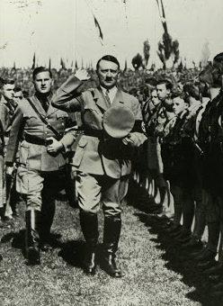 Бальдур Ширах и Адольф Гитлер. 1936 г.