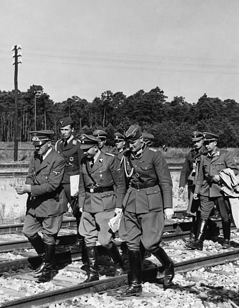 Зепп Дитрих и Адольф Гитлер. 1935 г.