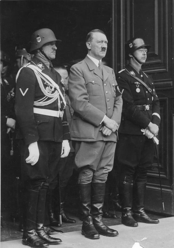 Зепп Дитрих, Адольф Гитлер и Генрих Гиммлер. 1937 г.