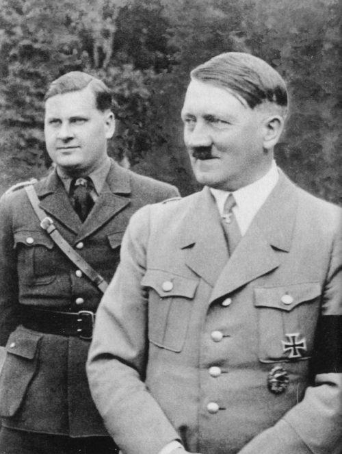 Бальдур Ширах и Адольф Гитлер. 1939 г.