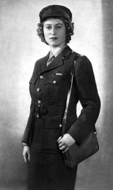Принцесса Елизабет на военной службе. 1945 г.
