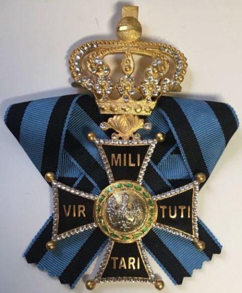 Аверс Большого креста ордена Виртути Милитари.