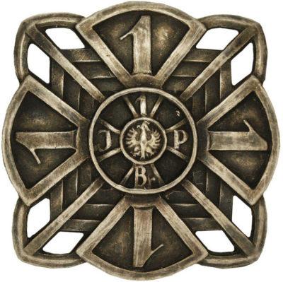 Аверс и реверс полкового знака 1-го пехотного полка им. Ю. Пилсудского.