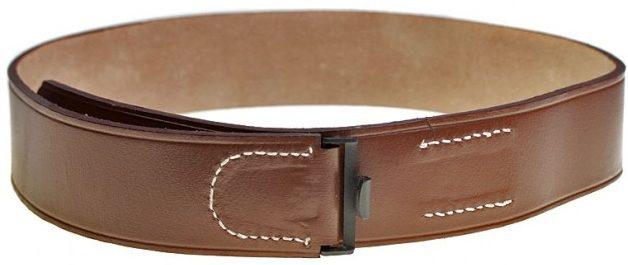 Полотно поясного ремня коричневого цвета с зацепом.