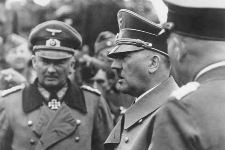 Ганс Клюге и Адольф Гитлер. Франция. 1940 г.