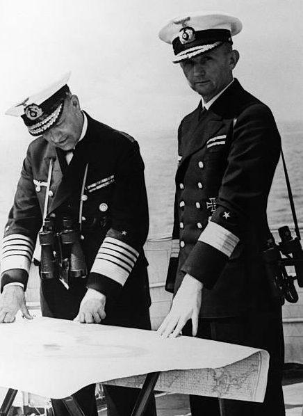 Эрих Редер и Карл Дениц. 1939 г.