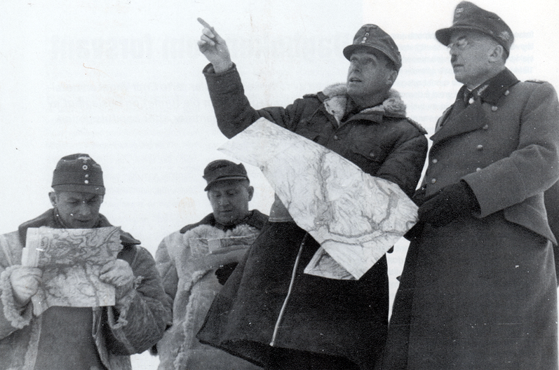 Лотар Рендулич с офицерами. Финляндия. 1944 г.