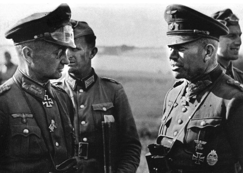 Вальтер Модель и Гейнц Гудериан. 1941 г.