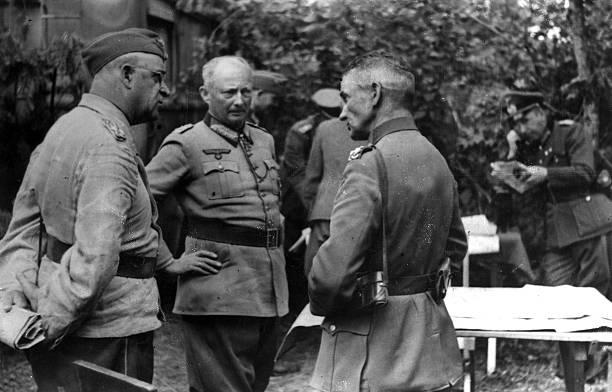 Ганс Клюге и Роберт Риттер фон Грейм. 1943 г.