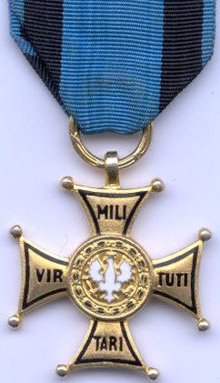 Аверс Золотого креста ордена Виртути Милитари.