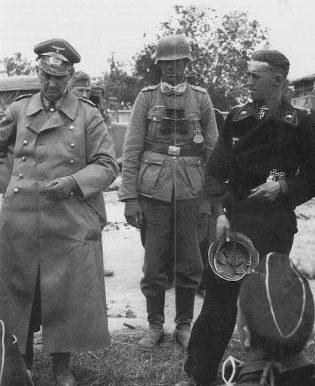 Вальтер Модель с офицерами на Восточном фронте. 1941 г.