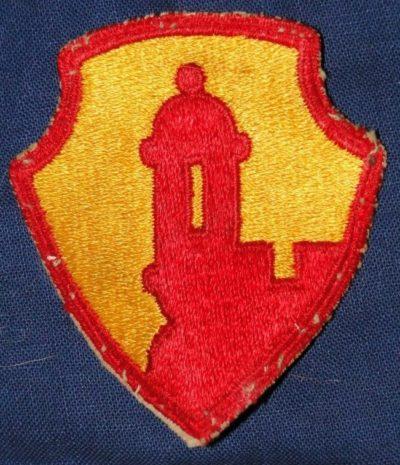 Нарукавная нашивка сотрудников штаб-квартиры войск на Антильских островах.