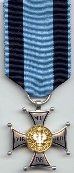 Аверс Серебряного креста ордена Виртути Милитари.