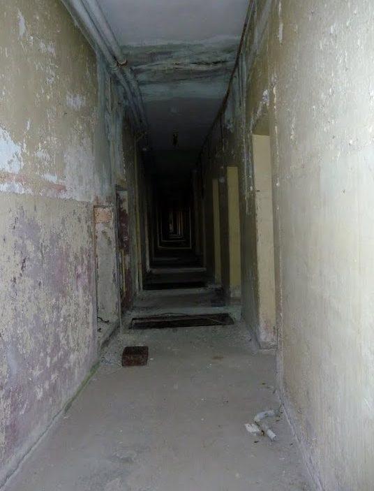 Подземный ход к железнодорожному тоннелю.