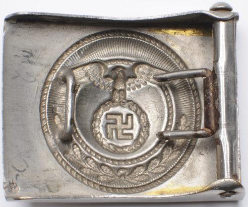 Никелированная пряжка штурмовых отрядов СА, предназначенная для членов вспомогательных отделений СА. Выпускалась с 1931 года.