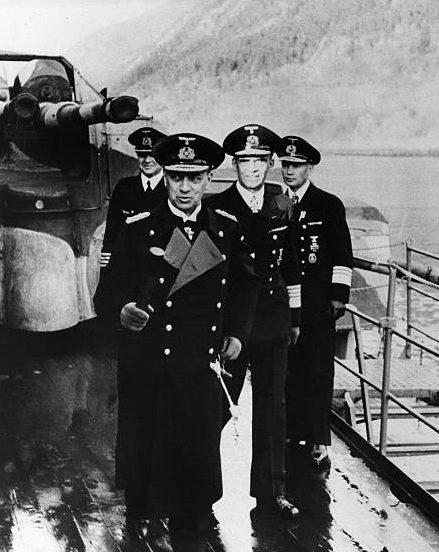 Эрих Рёдер в поездке в Норвегию. 1942 г.