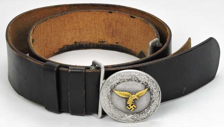 Кожаный ремень с пряжкой офицера Luftwaffe.