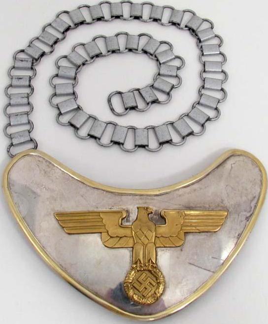 Горжет караульного полка СА Фельдхеррнхалпе.