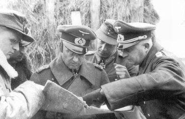 Вальтер Модель, Ральф граф Ориола, Иоганн Генрих Экхардт и Иоганн-Георг Ричер. Восточный фронт. 1943 г.