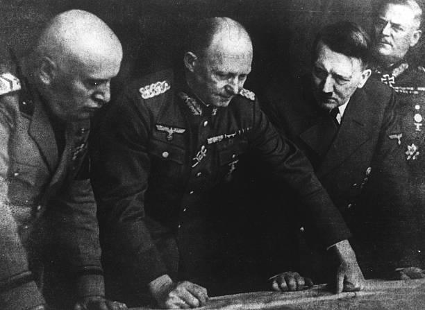 Альфред Йодль на совещании у Гитлера. 1944 г.