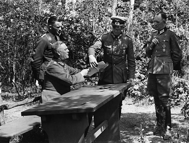 Альфред Йодль и Вильгельм Кейтель. 1944 г.