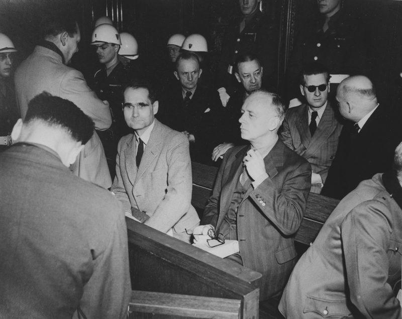 Эрих Рёдер на Нюрнбергском процессе. 1945 г.