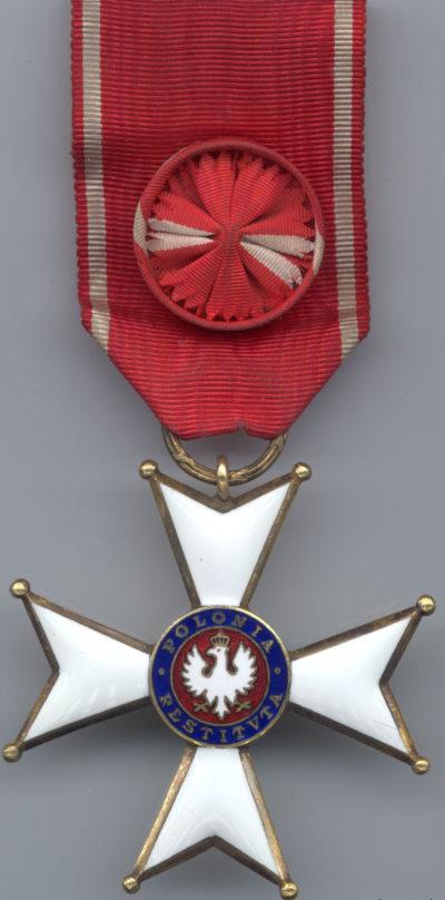 Аверс Офицерского Креста ордена Возрождения Польши.