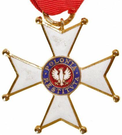 Аверс Рыцарского Креста ордена Возрождения Польши.