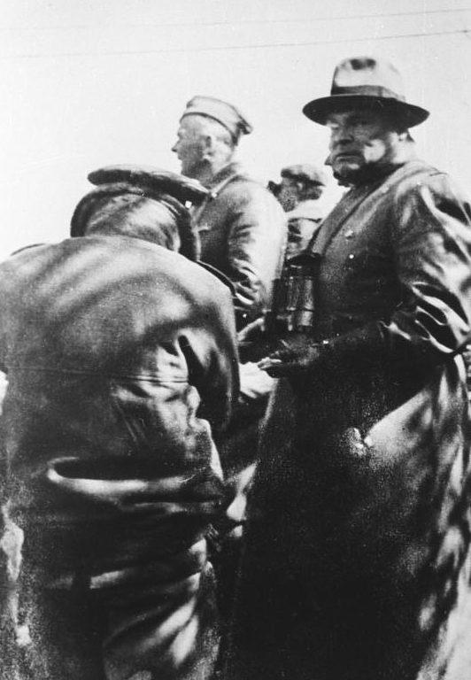 Вольфрам Рихтгофен и Хуго Шперле. Испания. 1936 г.