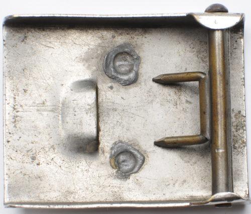 Пряжка штурмовых отрядов СА 3-го типа с крестом Рейха. Латунная, полностью никелированная.