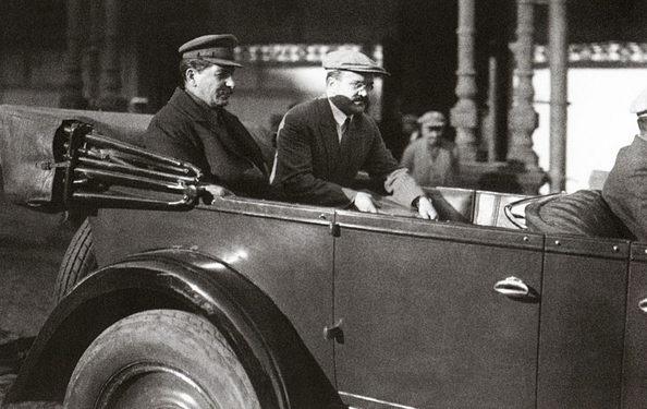 Первый автомобиль вождя «Vauxhall».