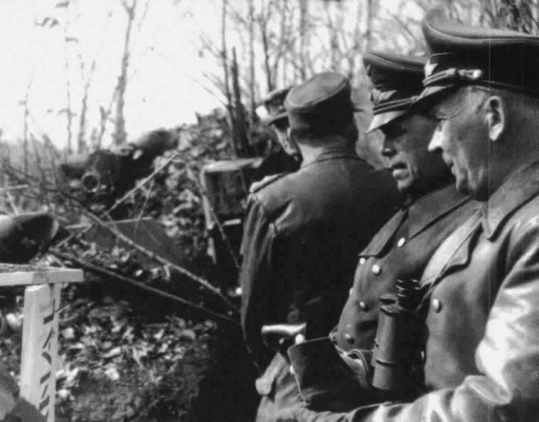 Альберт Кессельринг на командном пункте в районе сектора Неттуно. 1941г.